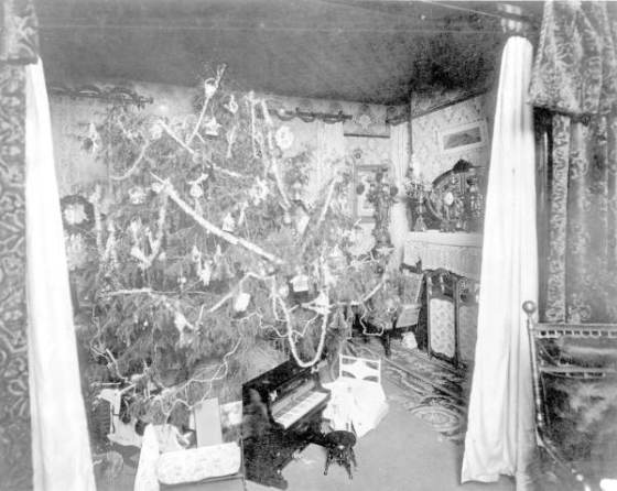Haya parlor decorated for Christmas, 1895
